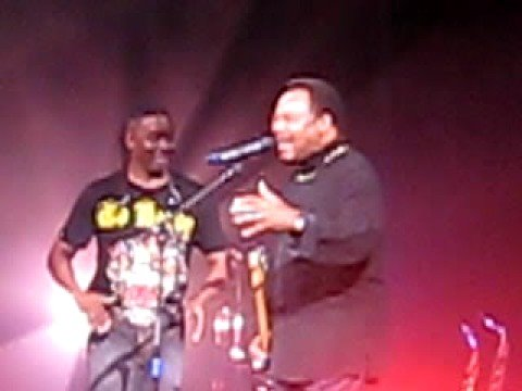 George Benson sings with Earth, Wind and Fire!