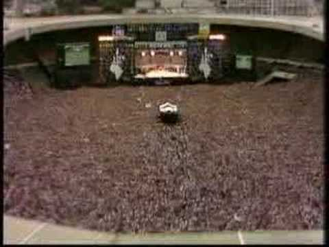 Queen - Hammer To Fall (Live Aid -85)