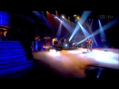 Nicole Scherzinger & Enrique Iglesias - Heartbeat (Paul O'Grady Live) HD-1080p