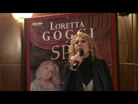 """Loretta Goggi sul palco """"Solo Per Amore"""""""