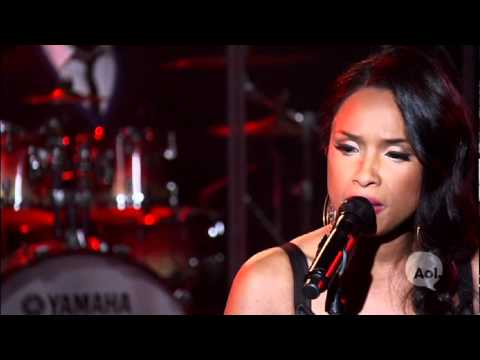 Jennifer Hudson- I Remember Me LIVE @ AOL SESSIONS