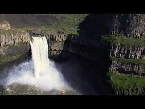 Tyler Bradt Highest waterfall in a kayak 189ft (World Record bigger than Niagara!)
