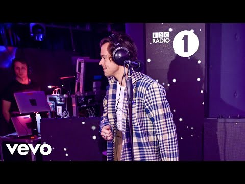 Harry Styles – Juice Lizzo cover in the Live Lounge
