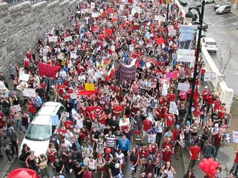 Huge Montreal Student Protest, March 22 2012 (view from bridge)