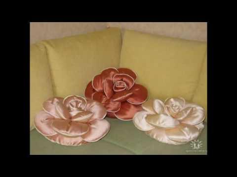 Декоративные подушки в виде розы