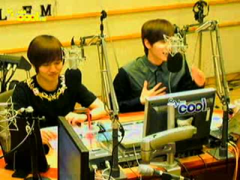 [cut] 110607 Yesung & Eeteuk speak Indonesian with fans @ Kiss The Radio