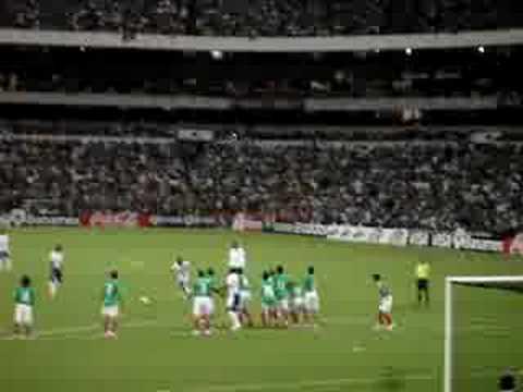 Gol de Rambo de Leon en el Azteca