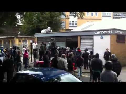 Fresh video of London riots: Hackney Riots, London | 8th August 2011 |