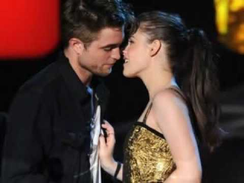 ROBERT PATTINSON AND KRISTEN STEWART MTV MOVIE AWARDS 2010  BEST KISS