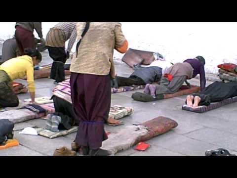 チベット仏教様式の礼拝【五体投地】