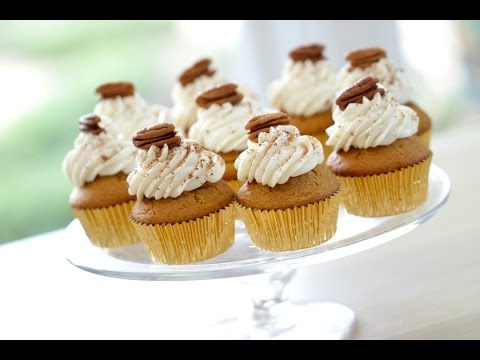 Beth's Pumpkin Spice Cupcakes with Cream Cheese Frosting | ENTERTAINING WITH BETH