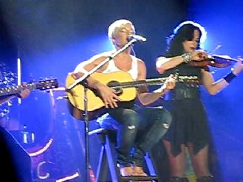 Pink - I don't believe you - Funhouse Tour (Live in Budapest)
