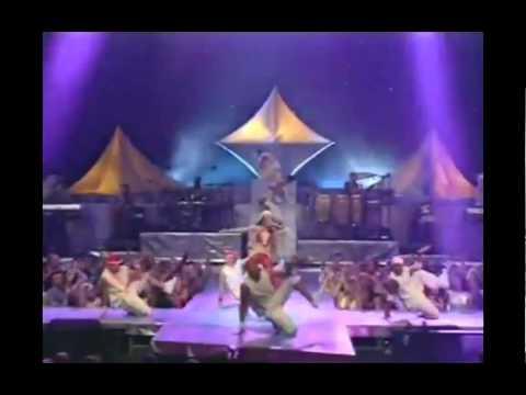 Christina Aguilera - Come On Over Ft. Fred Durst (MTV VMA 2000)