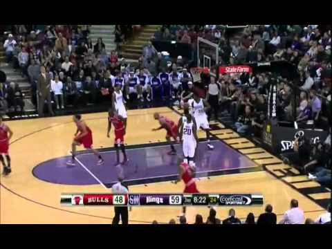Derrick Rose Highlights vs Kings (11.27.10) [HD]