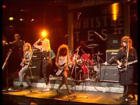 Bangles - Walk like an Egyptian (Old Grey Whistle Test`86 UK)