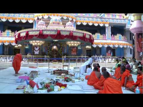 Bhagawan Sri Sathya Sai Baba's Samadhi Darshan - 04-05-2011- Shraddha Ceremony on the 11th Day