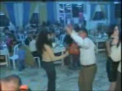 arab girls dancing