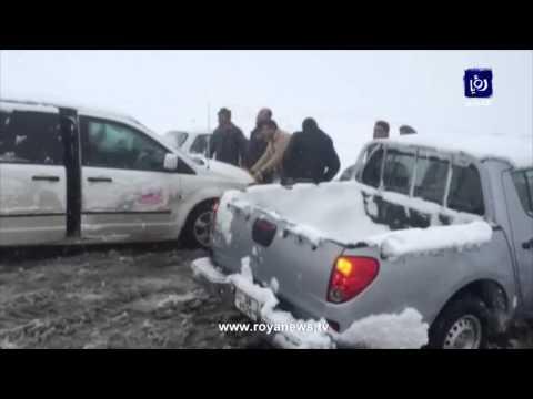 بالفيديو : شاهد تراكم الثلوج في ثغرة عصفور عجلون - الاردن