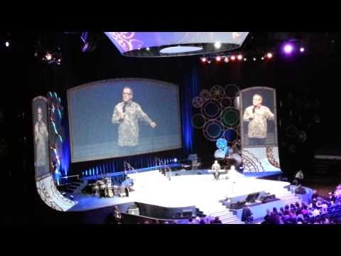 Mark Lowry : Women of Faith 2012 - Hartford CT