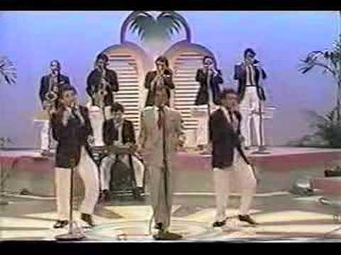 """Sandy Reyes y su Orquesta, """"El Amor y La Moda"""""""