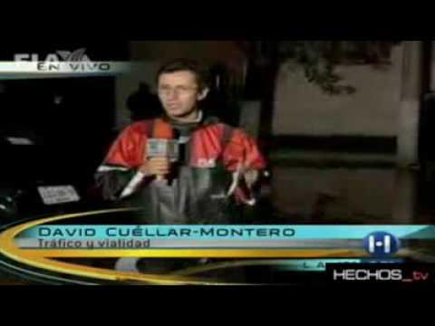 Reportero TV Azteca al agua