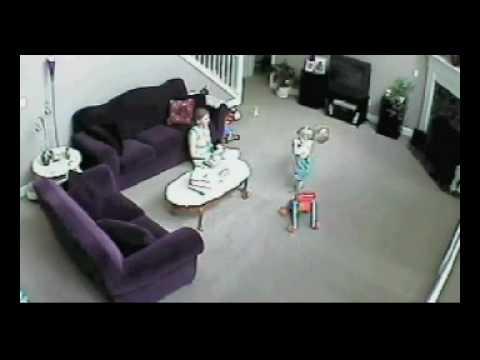 Maca brani bebu od mame