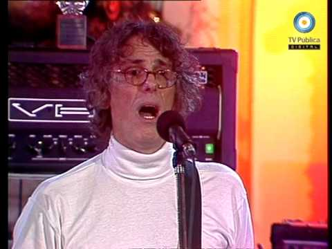 Luis Alberto Spinetta en Casa Rosada - 04-03-05 (2 de 2)