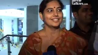  Rowdy Rathore Public Review - YouTube 