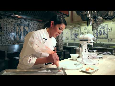 How to Make French Macarons: Easy Macaron Recipe Baking Demonstration Tutorial (not Macaroons) - UCZoGIbKkr05Z_13pLxmMlhA