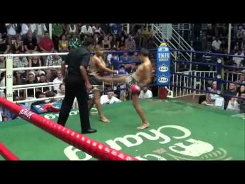Rawai Muay Thai young boxer Elias (Algeria): 27 July 2011