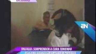 Marido flagra padre fazendo sexo com a mulher em igreja view on youtube.com tube online.