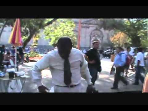 Hno  Arzu Predicacion plaza de armas chile parte 3   YouTube2