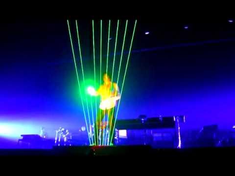 Laser Harp gets stuck, has problems, goes crazy!! Jean Michel Jarre unique footage!