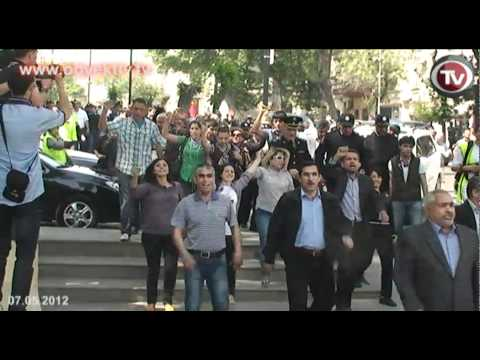 Azerbaycan`da muhalif parti ve STK'lar Yürüşte
