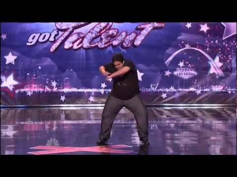 Sam B, Algerien en  Americas Got Talent 2011, New York Auditions