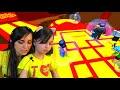 Фрагмент с середины видео roblox ПОЛ ЭТО ЛАВА ЧЕЛЛЕНДЖ ПОБЕГ Валеришка сим мы играем РОБЛОКС для детей Детский ЛеТсплей kids