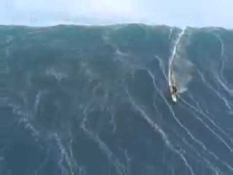 La ola mas grande del mundo surfeada -xYacCMvN7ww