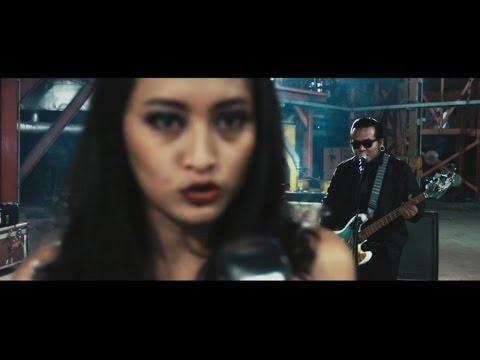Benci Untuk Mencinta (Feat. Naif)