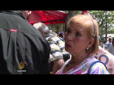 Venezuelans gather to demand Obama rescind national threat order
