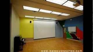 Telones, instalación de pantalla y proyector, telón eléctrico, manual y trípode