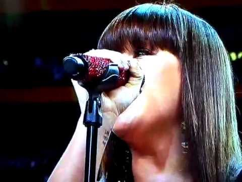 Kelly Clarkson National Anthem Super Bowl 46