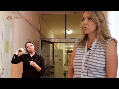 Vyšetření sluchu v porodnici s tlumočením do znakového jazyka