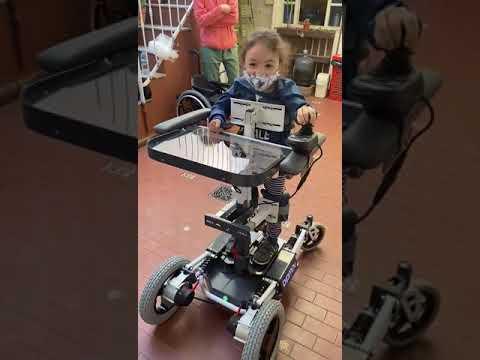 GiveMove: Crea bipedestadores motorizados para niños con discapacidades motrices