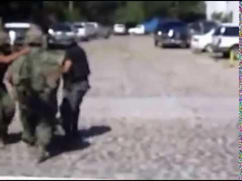 Oficial del ejercito caído tras balacera en Villas Rio, Puerto Vallarta