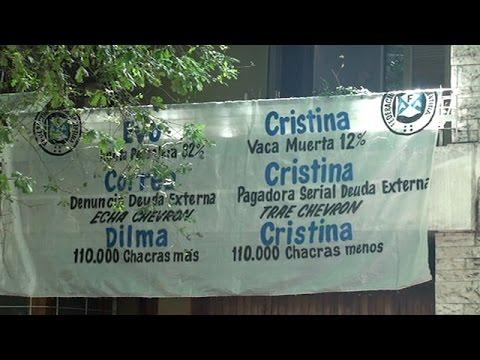 La protesta le qued� servida a Echeverr�a en plena cumbre