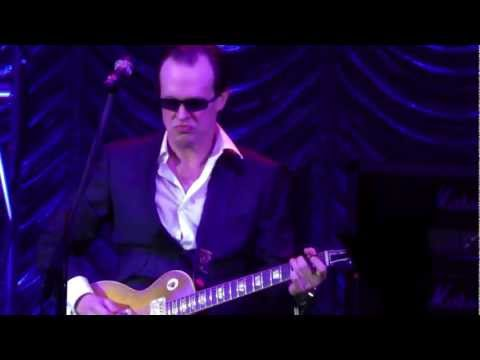 Joe Bonamassa-Sloe Gin (Live At Hammersmith Apollo London 21/10/2011)