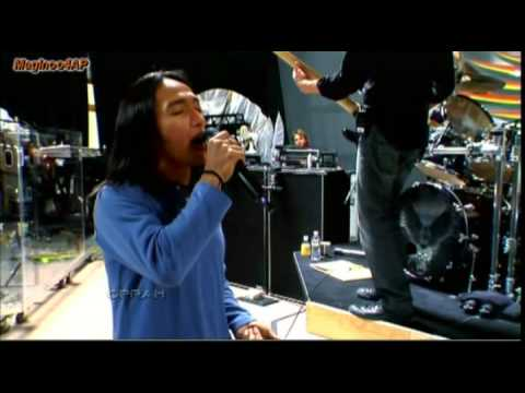 "Arnel Pineda's Story with Journey @ Oprah ""Don't Stop Believen'"