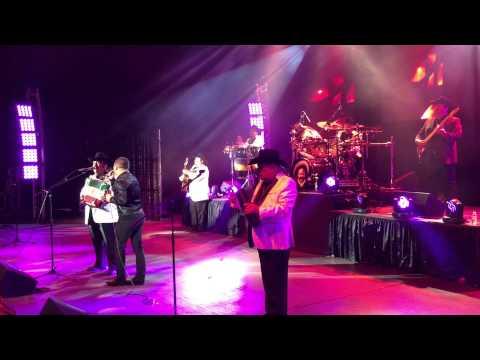 Mil noches Ramon ayala & Larry hernandez (en vivo)