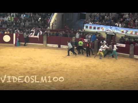 emocionantes salidas de toriles a la plaza de zaragoza
