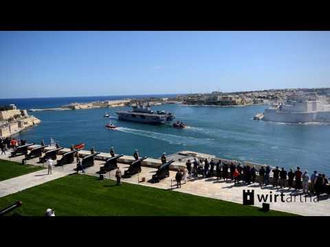 Vídeo de la salida del buque británico HMS Ocean desde Malta hacia Gibraltar